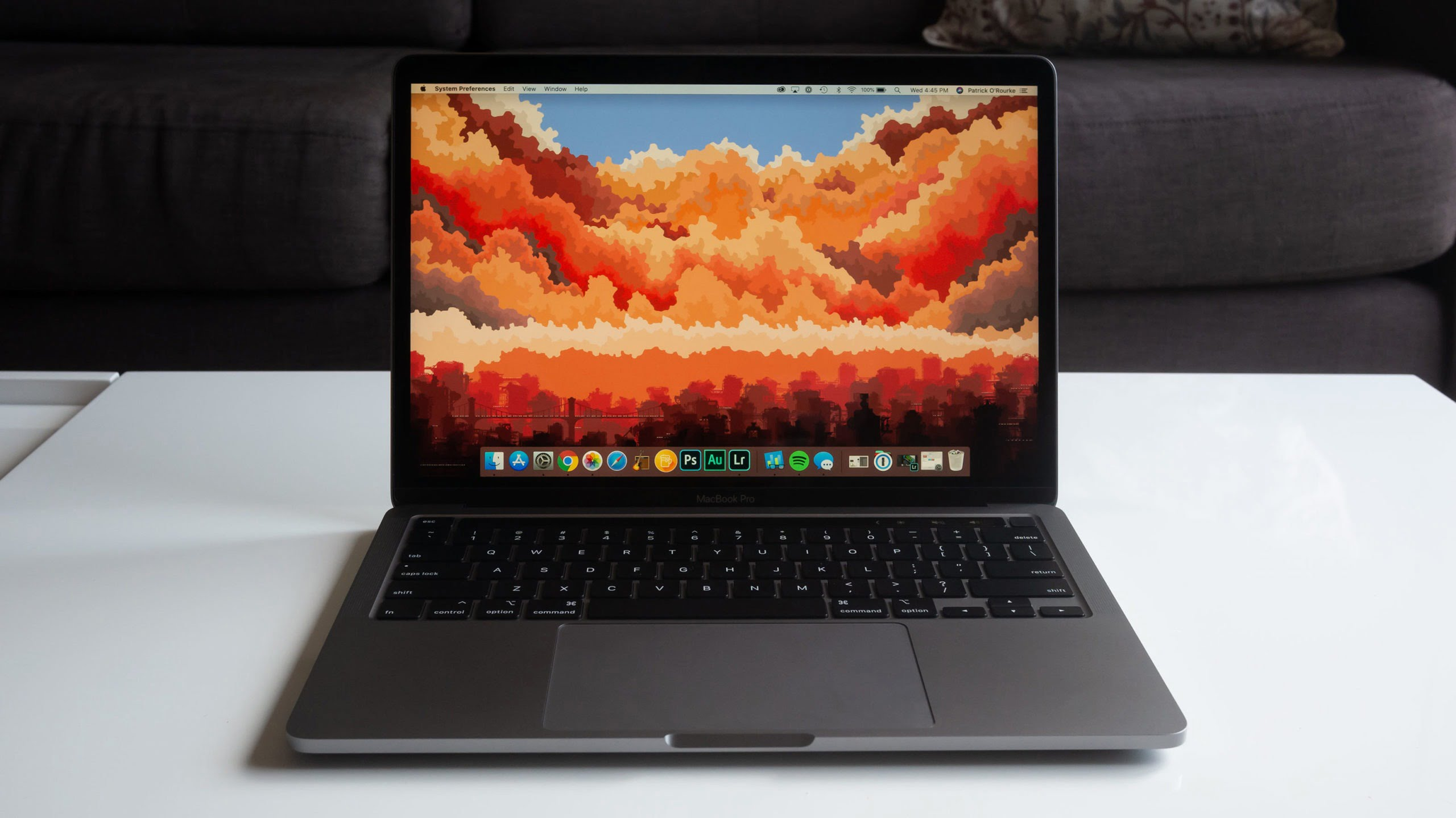 reviews,computers,review,apple,macbook pro,laptops,Apple 13 Inch MacBook Pro,gizmogyaan, gizmo gyaan